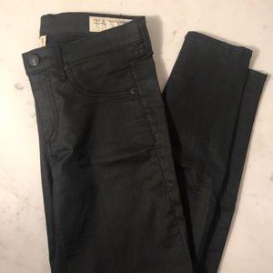 Rag & Bone Black Zipper Capri Skinny Jean